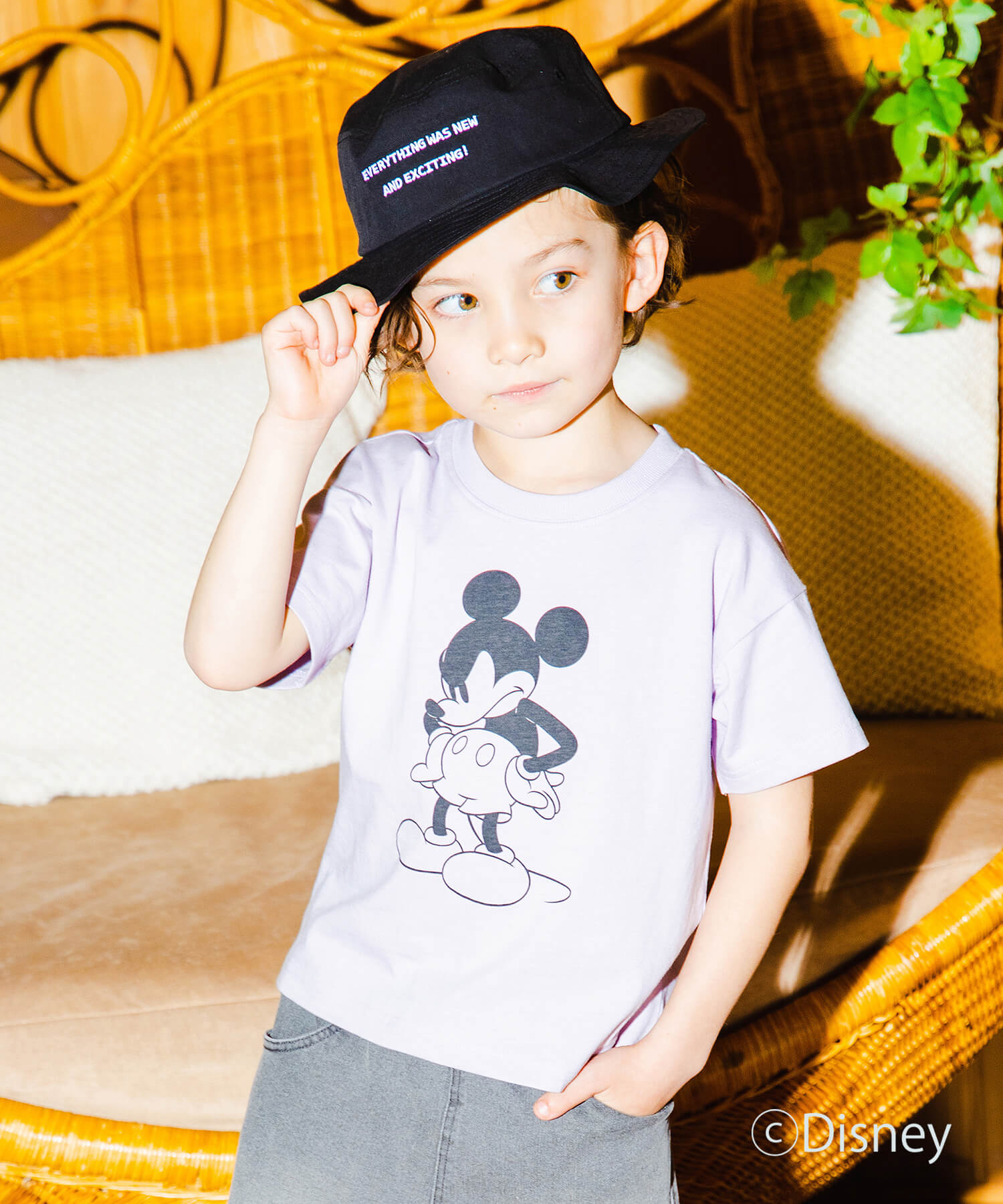 【Disney】モノトーンプリント半袖Tシャツ
